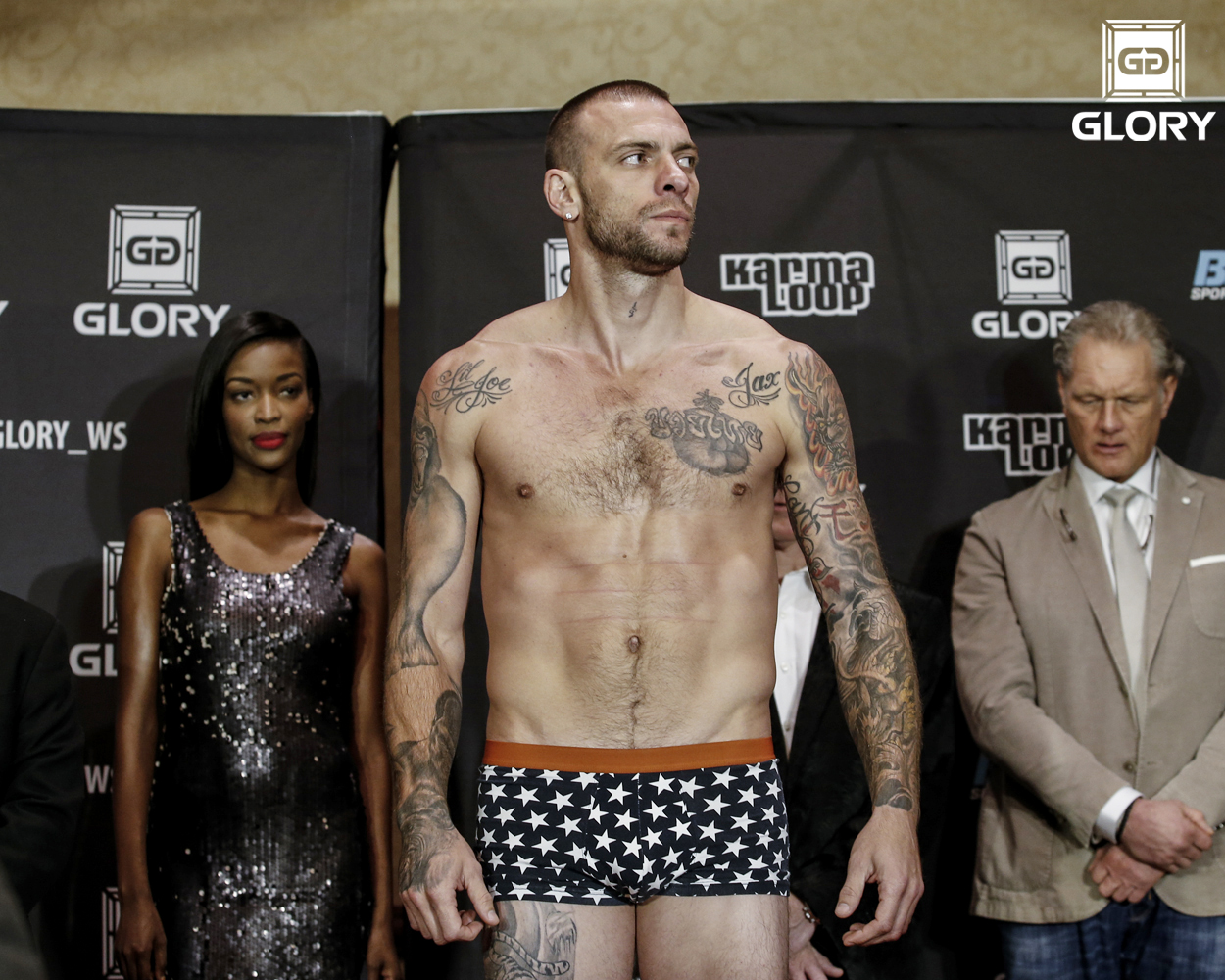 GLORY19_Weigh-Ins-Schilling