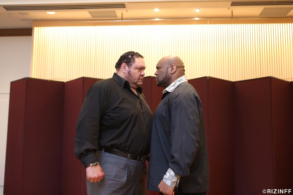 Sumo wrestling legend Akebono (left) will square off with Bob Sapp (right) in a Shoot Boxing rules rematch to their first, memorable battle that Sapp won by first round KO on December 31, 2003. The first bout was contested under kickboxing rules.