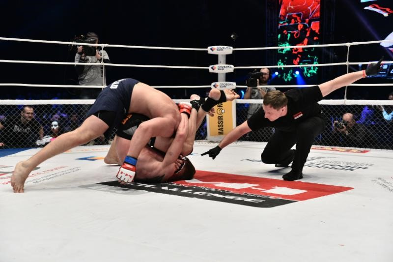 Alexander Volkov captured the vacant M-1 Challenge heavyweight title