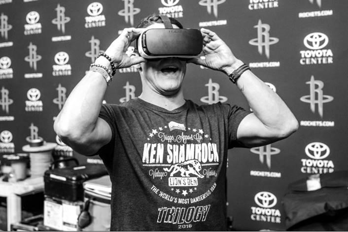 Frank Shamrock experiencing Virtual Reality
